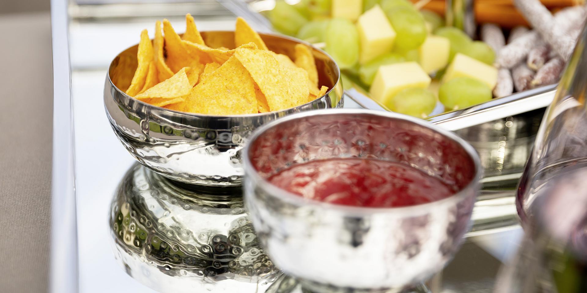 Rezept: sommerlicher Salsa Dip im Outdoor-Wohnzimmer