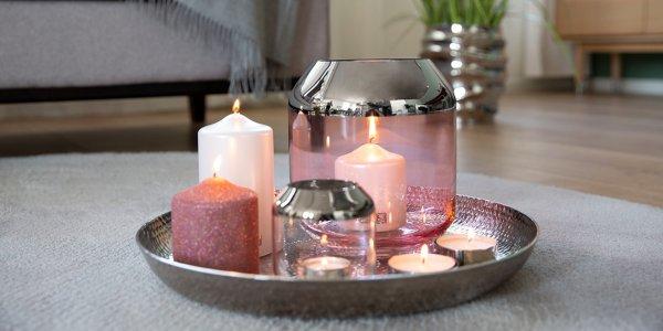 Rosiger Kerzenschein